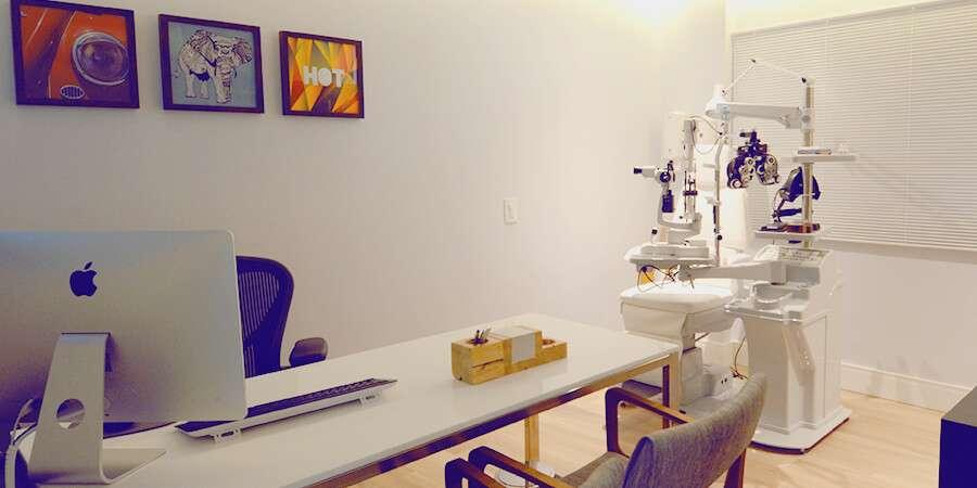 Consulta especializada com retinólogo