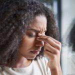 Será que problema de visão causa dor de cabeça? Descubra aqui!